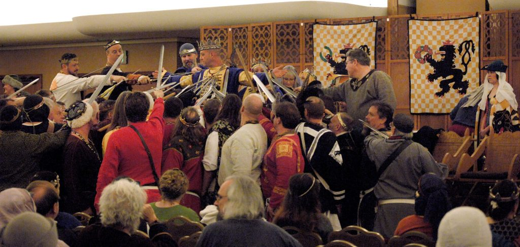 Knights in An Tir swear fealty to the new King